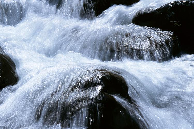 霧島牧之原台地の地下天然水を使用