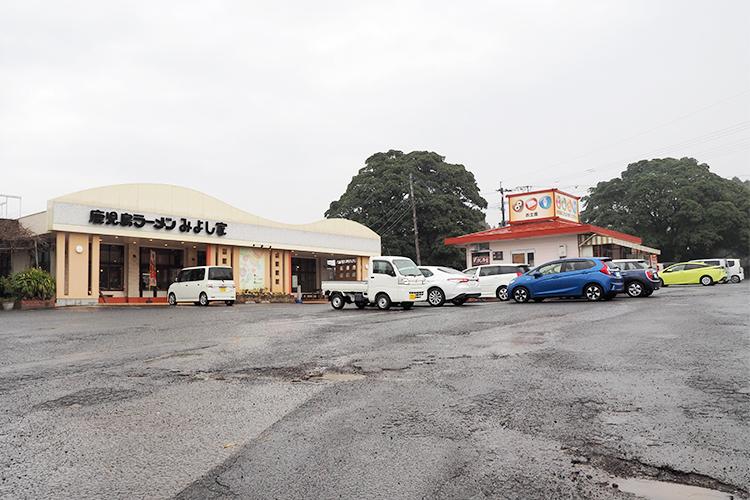 みよし家牧之原店の駐車場
